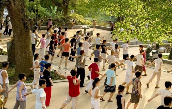 ריקודים בפארק בסין